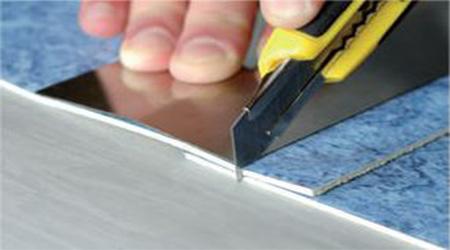 как резать линолеум для стыковки